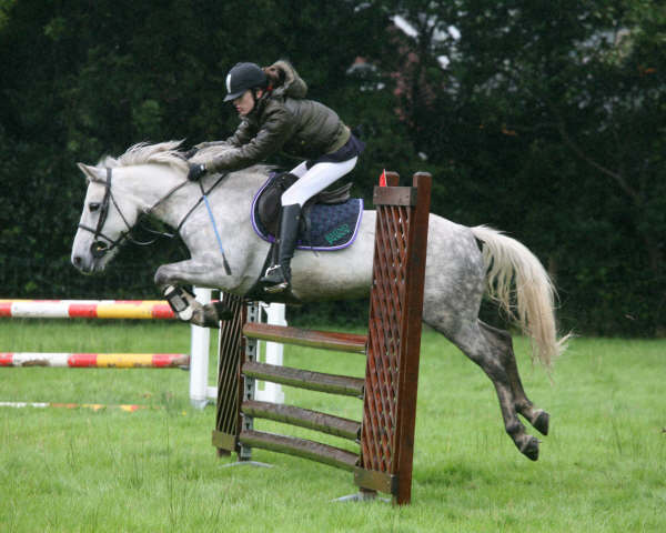anne-marie-burns-winner-open-pony-interclub-2008